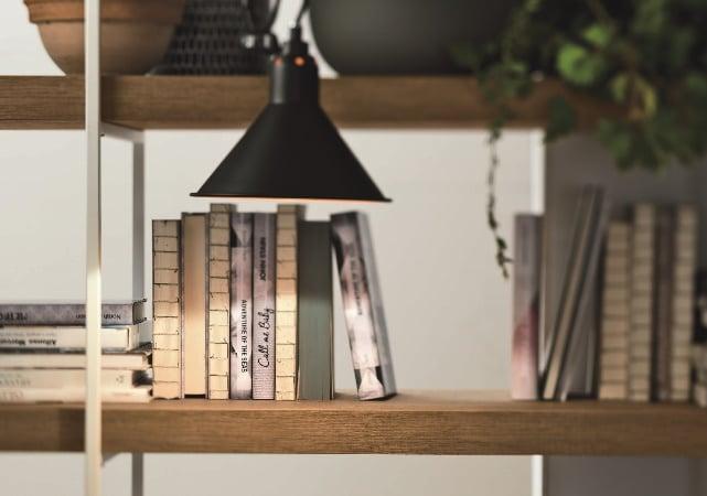 Bibliothèque salon avec lumière - ÉMÉA Ancenis
