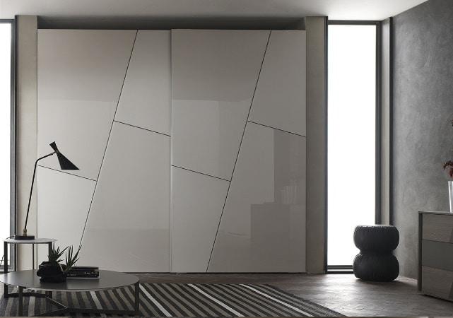 Porte de placard sur mesure salon design blanc et gris - ÉMÉA Ancenis