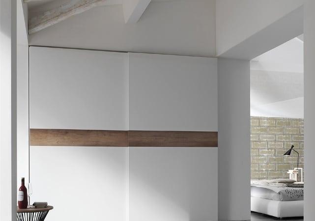 Porte de placard coulissante chambre design blanc et bois - ÉMÉA Ancenis