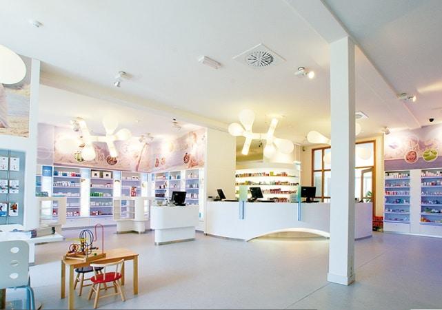 Bibliothèque salon bois design - ÉMÉA Ancenis